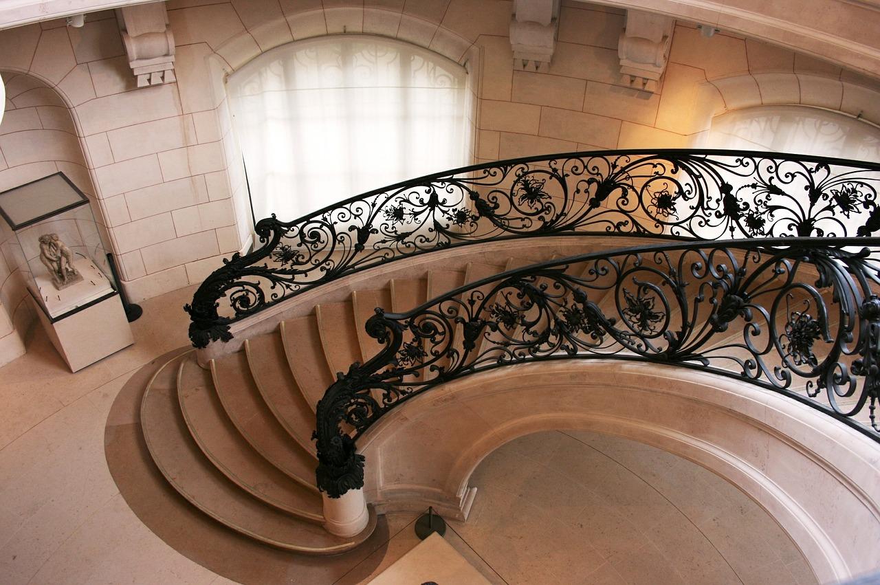 Элитные лестницы: эксклюзивные материалы и технологии